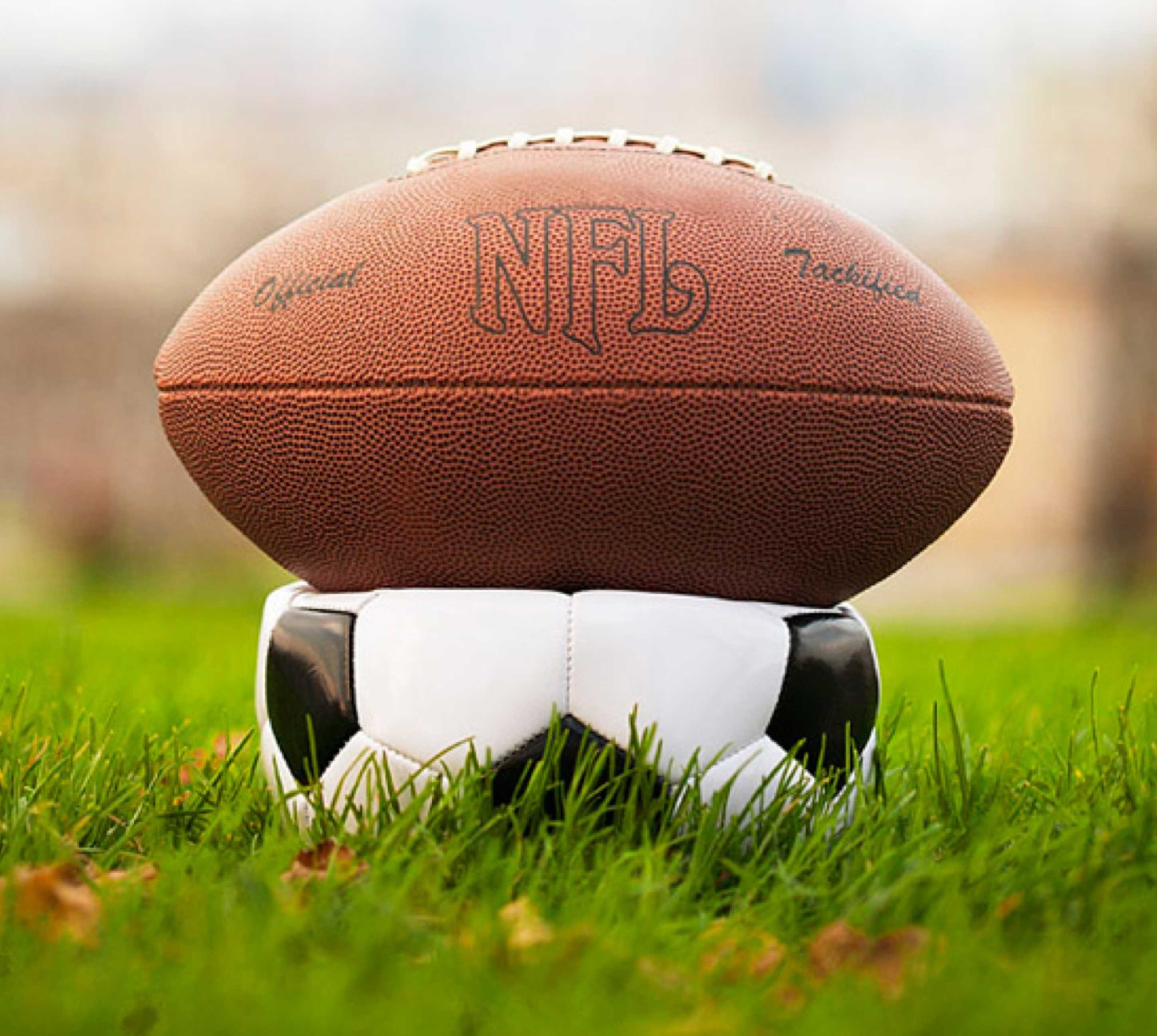 soccer vs american football essay View essay - football vs soccer from epmanc 320 at university of newcastle compare and contrast soccer and american football soccer and american football are two.