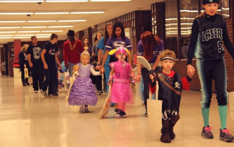 Little Sequoits Prowl the Halls of ACHS