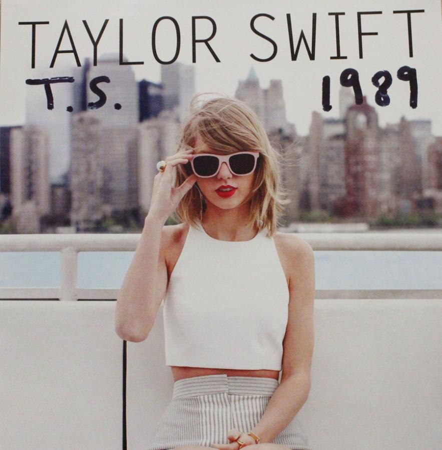 REVIEW%3A+Taylor+Swift%27s+%22Blank+Space%22+Music+Video