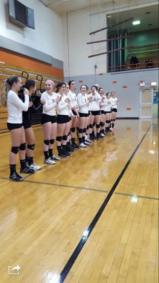 Girls+Volleyball+Overcomes+Vernon+Hills