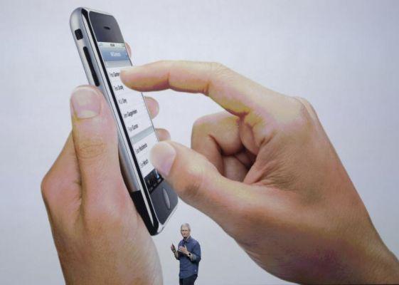 Apple Fights Hacking Order