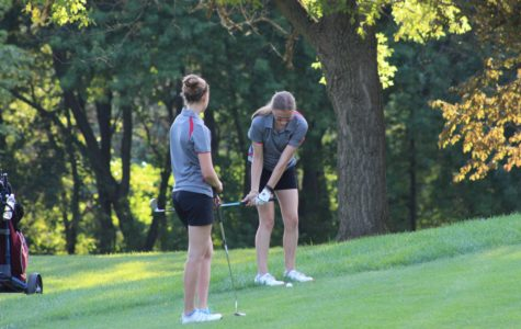Lady Sequoits Golf Win Their First Match
