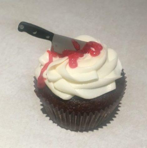 halloween-machete-cupcake