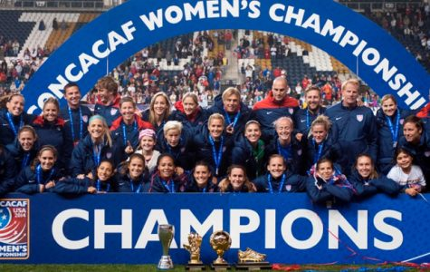 The United States women's soccer team celebrating their 2014 CONCACAF championship.