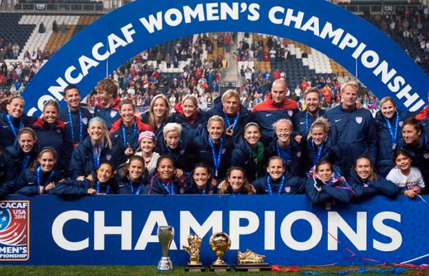 The+United+States+women%27s+soccer+team+celebrating+their+2014+CONCACAF+championship.+