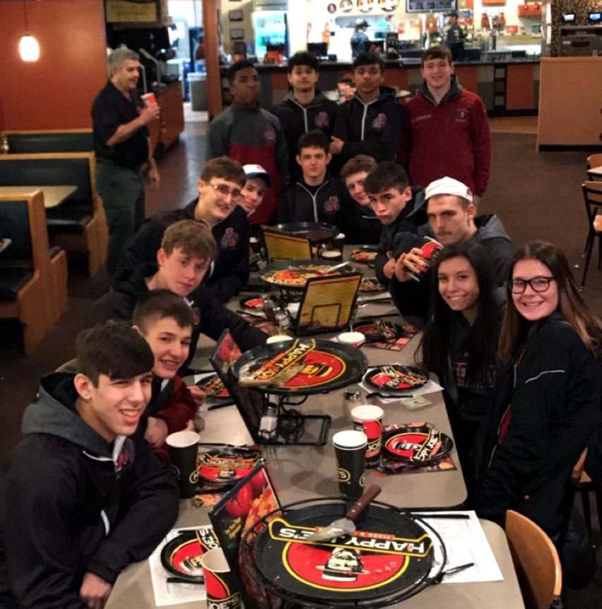 Sequoit+wrestlers+enjoy+Happy+Joes+Pizza+after+a+great+tournament+in+Bettendorf%2C+Iowa.