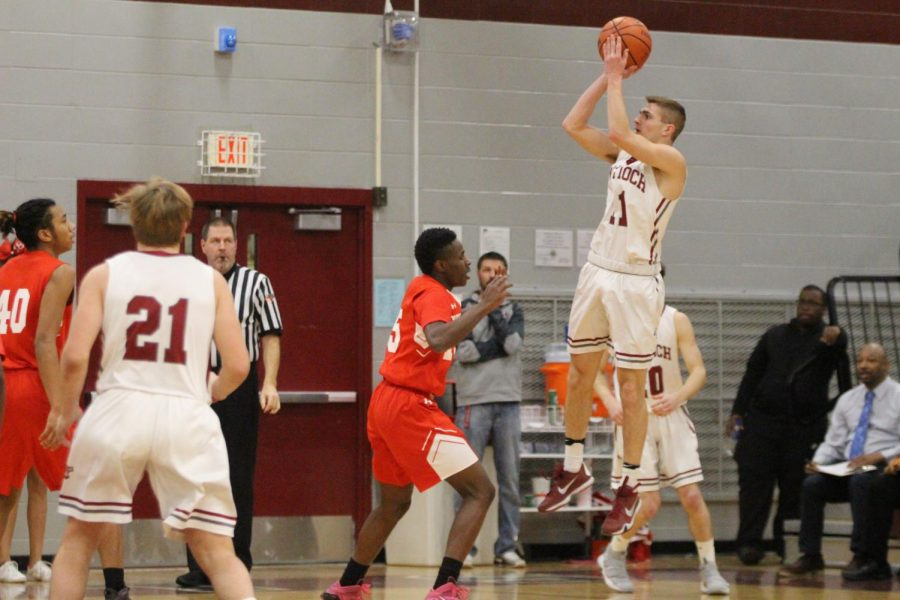 Senior Night Against the Warhawks Ends in Tough Loss