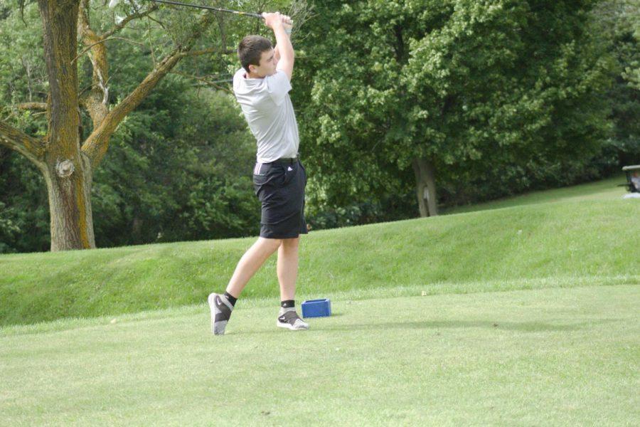 Boys Golf Team Striving for Excellence