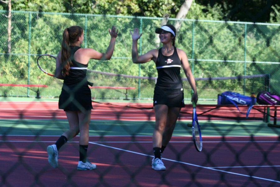 Girls+tennis+plays+hard+at+the+Spirit+of+the+Northwest+Tournament.