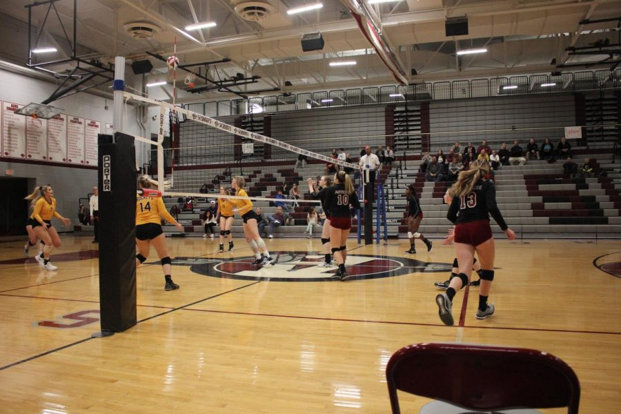 Girls Volleyball Falls to Richmond Burton