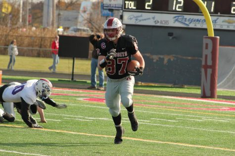 Sequoits Dominate the Rams