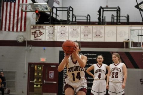 Eagles Soar Over the Sequoits