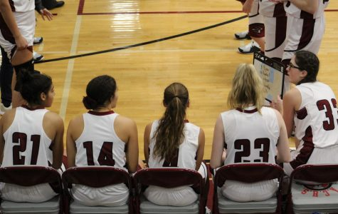 Eagles Sneak Past Sequoits in Close Game