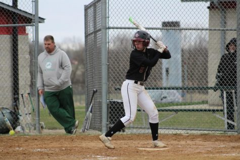 Sequoits Bat Away the Bulldogs