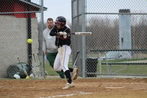 Varsity Softball Falls to Warren