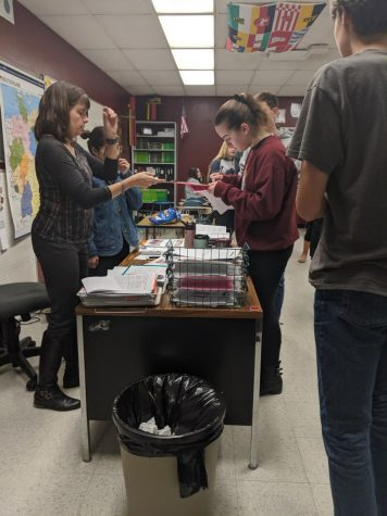 AP Students Receive Gift from Staff
