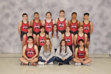 Varsity Wrestling Competes in Bettendorf's Midwest Shootout