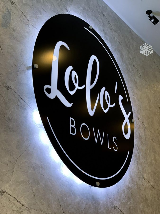 Lolo%27s+Bowls+is+located+in+Libertyville%2C+and+focuses+on+healthier+snack+options.+The+restaurant+focuses+on+attracting+customers+from+high+school%2C+middle+school+and+post+workout+snacks.