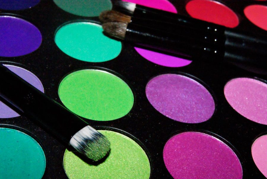 Star has released many palettes over the years. Some have bright colors while others have more neutral tones for everyday wear. He also offers other products such as highlighters and lipsticks.