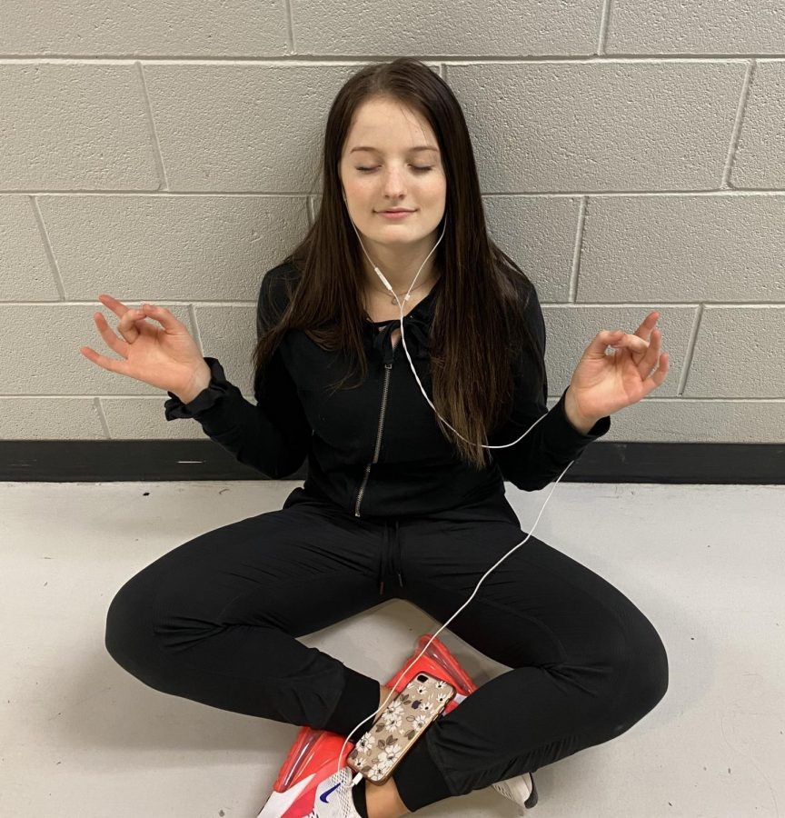 Meditating can people relax and take a deep breath when needed. It may also help prevent stress and anxiety.